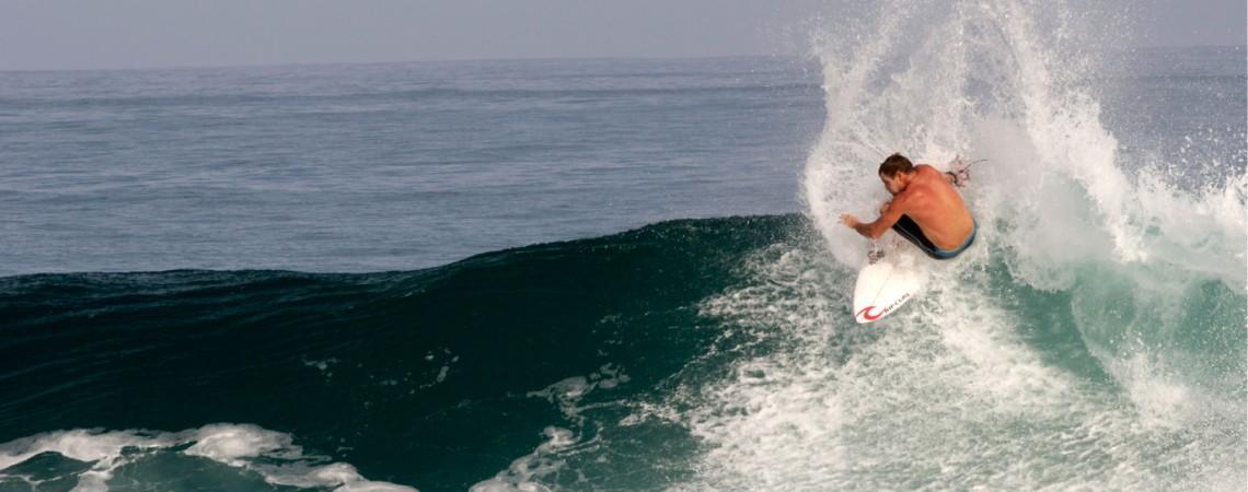 Taylor Knox Powers Off The Top at Shipwrecks 5-20-2013