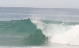Taylor Divine in the Tube at Shipwrecks Sequence #2 of 2